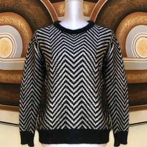 Anthro Ganni Black & White Chevron Sweater Sz M